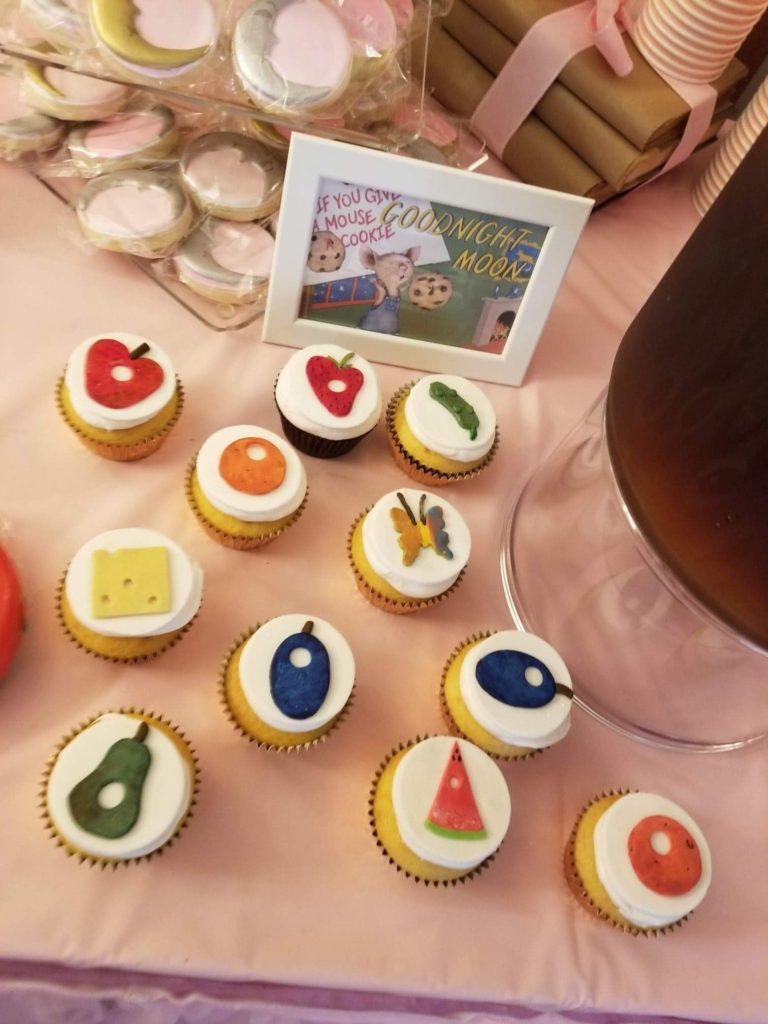 the very hungry caterpillar food cupcakes from the childrens book